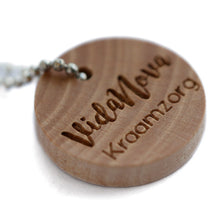 Load image into Gallery viewer, 20mm Round Camilia wooden hang labels with your personal custom text printed 100 pcs