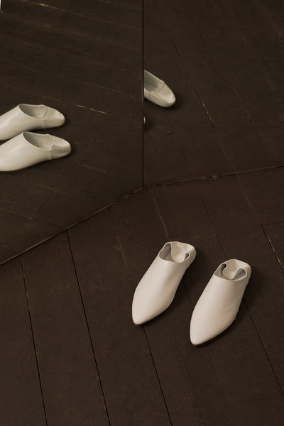 Selma Babouche in White with cowhide leather soles and folded backs slide, pointy toe. Slip on.