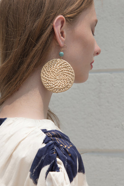 The Vero, a pair of bamboo earring in exaggerated oval-shaped. Gold metal post back. Sold as a set.