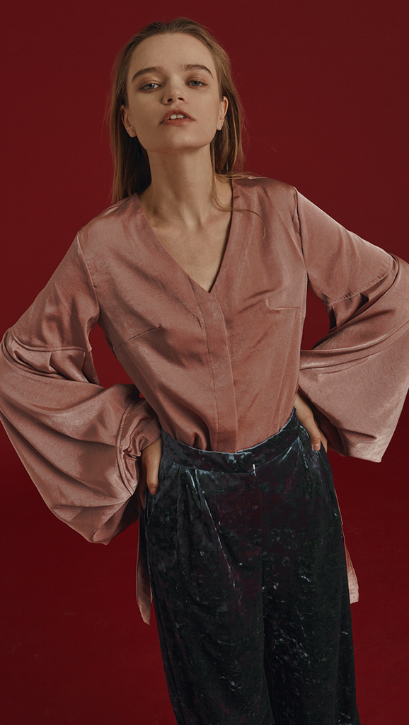 The Washi Blouse in matte mauve. With button down, bell sleeves, voluminous cuffs with self tie drawstrings, bust darting.