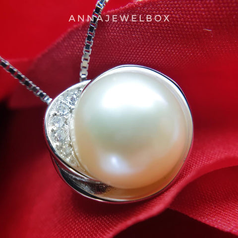 Sparkling Pearl 925 Sterling Silver Diamante Crystal Adorned Necklace - AnnaJewelBox