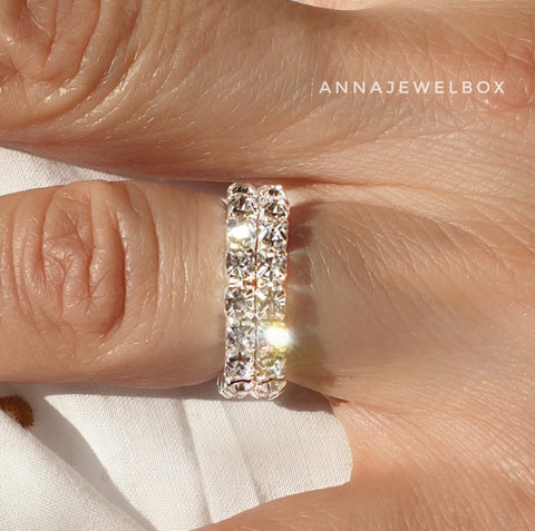 Image of Sparkling Diamante Crystals Silver Plated Elastic Rings 1-2-3 Rows - AnnaJewelBox