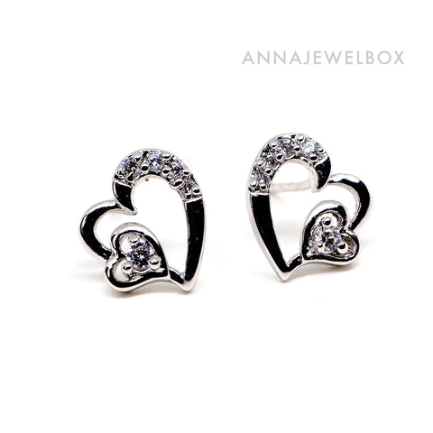 Cute Sparkling Diamante Hearts Stud Earrings - AnnaJewelBox