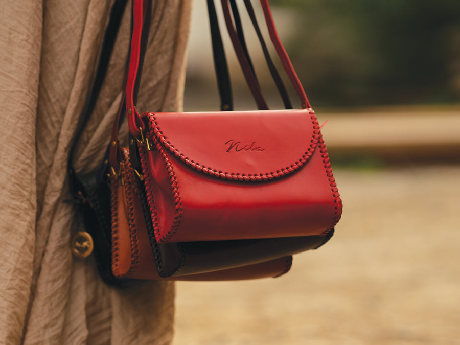 Nila Classic Sculpted Bag