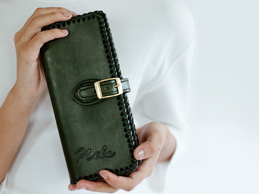 Nila Clutch with Buckle
