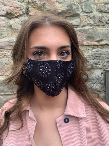 Black & White Yorkshire Rose Face Mask
