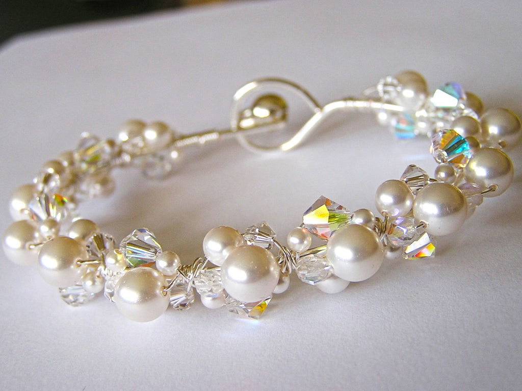 The Pearl and Crystal Bracelet Bridal