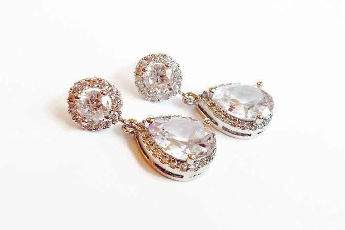 The Mary Kate Earrings with Round Halo Stud