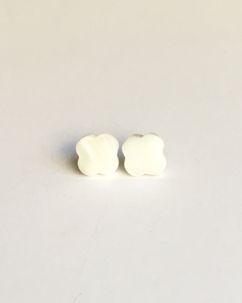Mother of Pearl Clover Stud Earrings