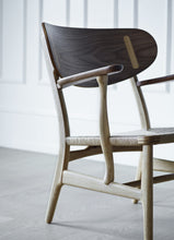 CH22 easy chair