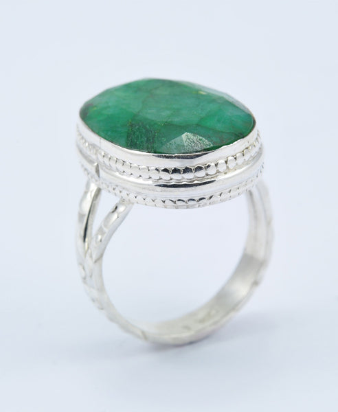 Shuba Oval Emerald Ring