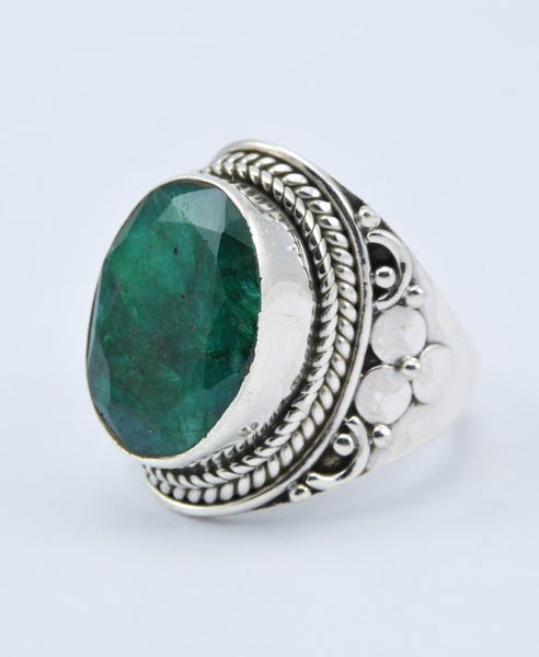 Antique Oval Emerald Ring XIII