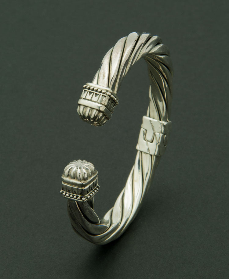 Craftsman bangle