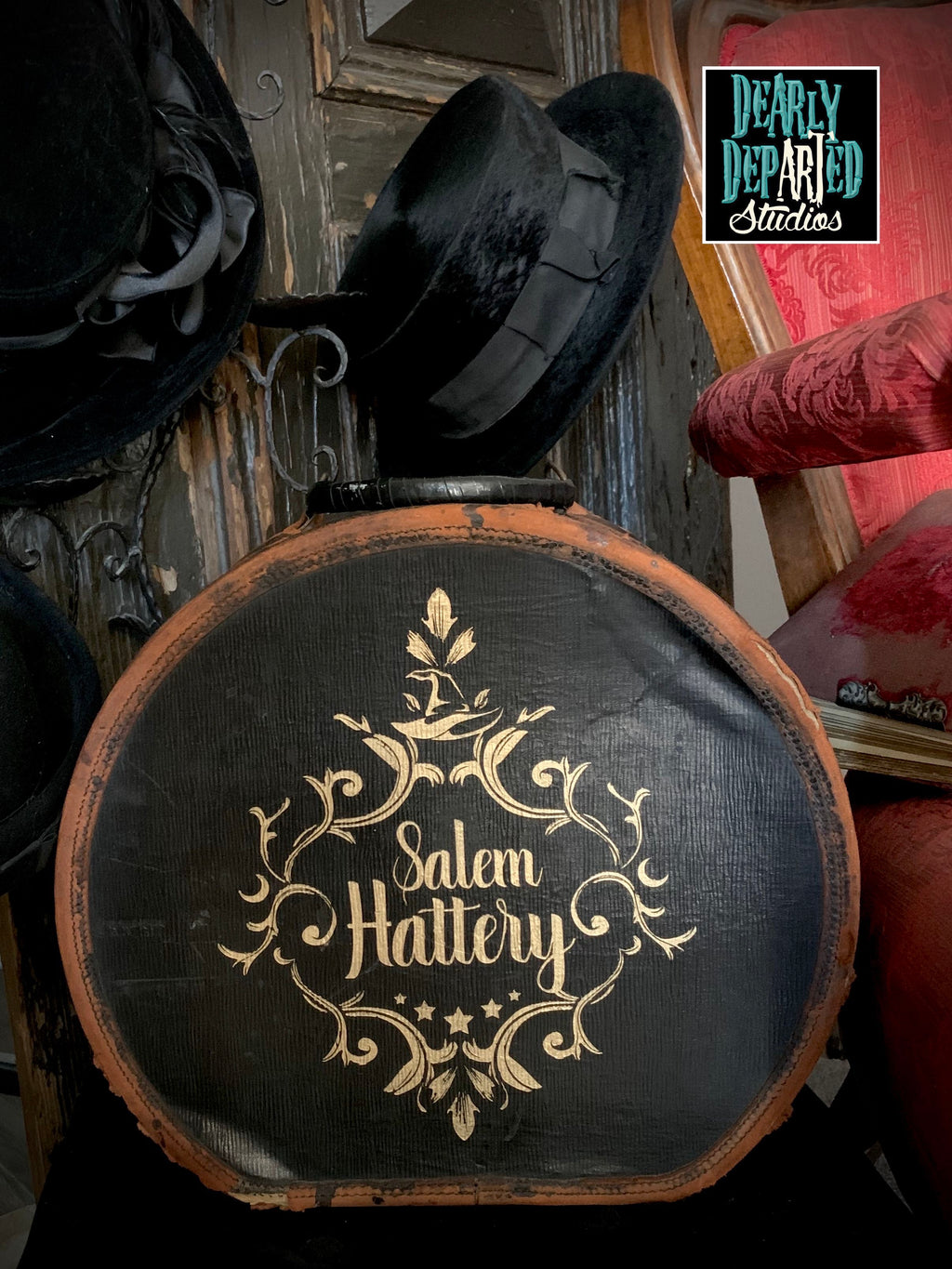 Salem Hattery Witch Hat Box