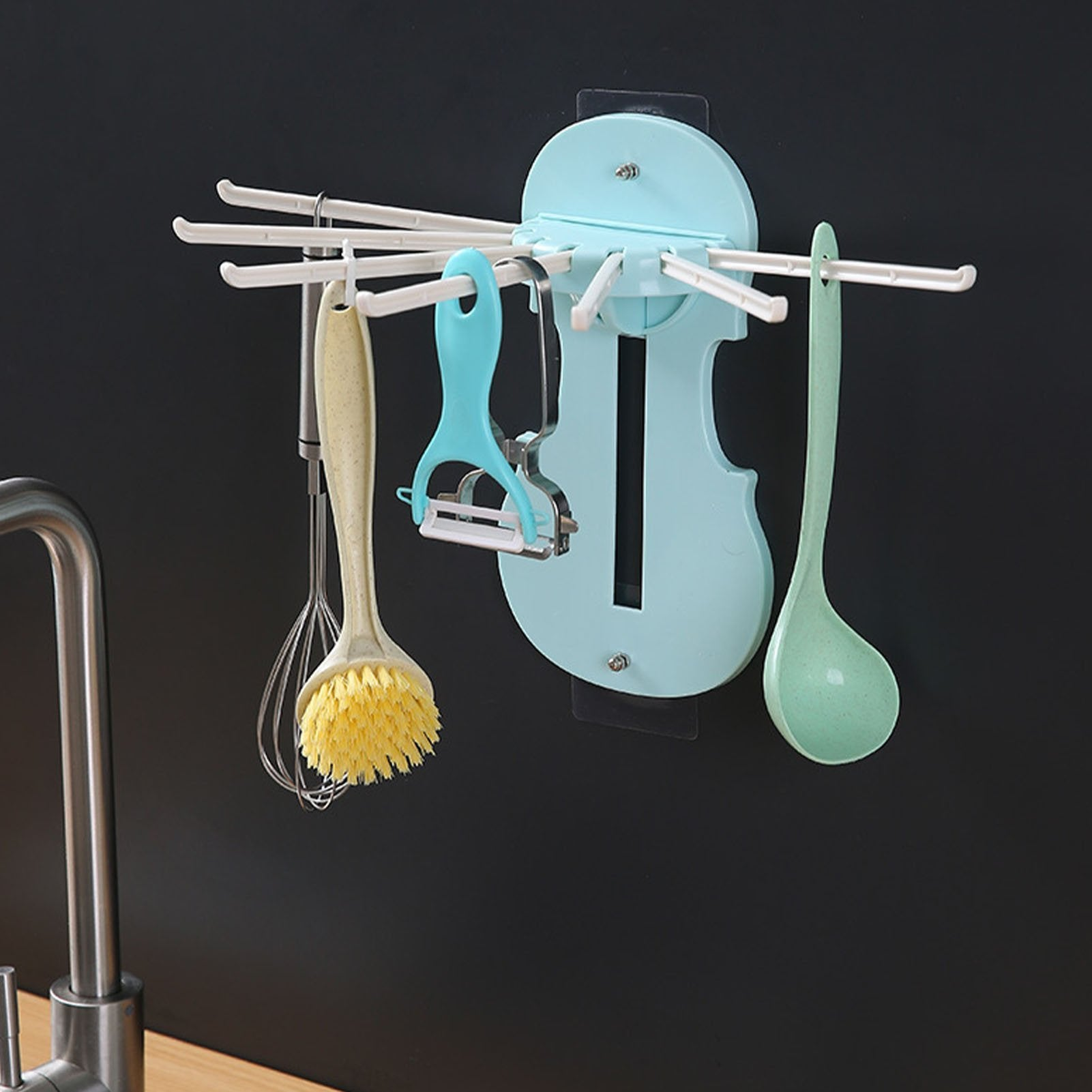 Assistant 7-in-1 pull out hanger