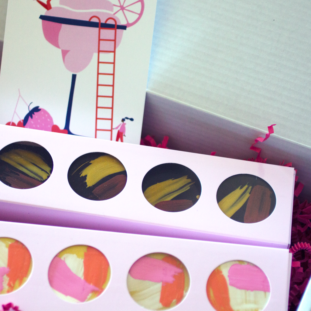 COLOURFUL CAKES & BROWNIES GIFT BOX