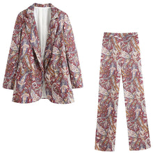 Load image into Gallery viewer, Paisley Print Suit Set