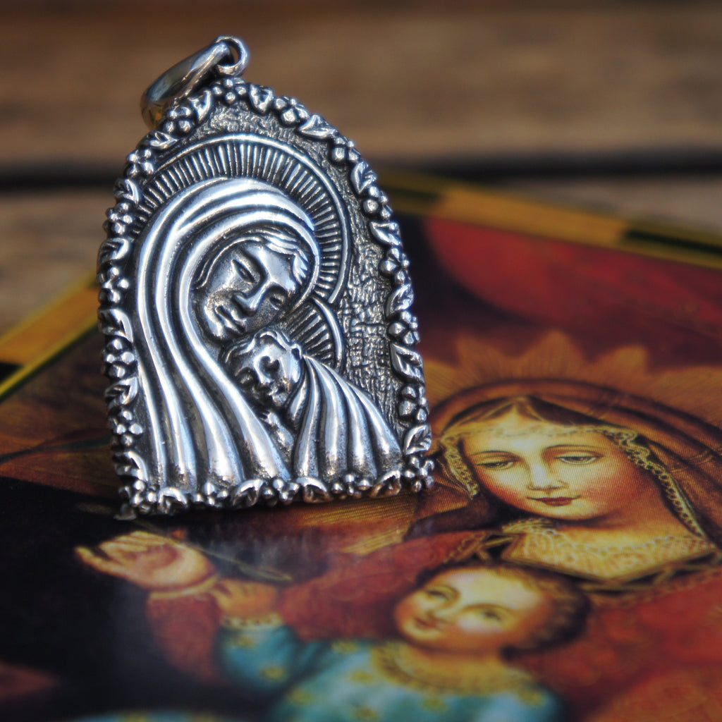 Redbalifrog Madonna and Child Pendant