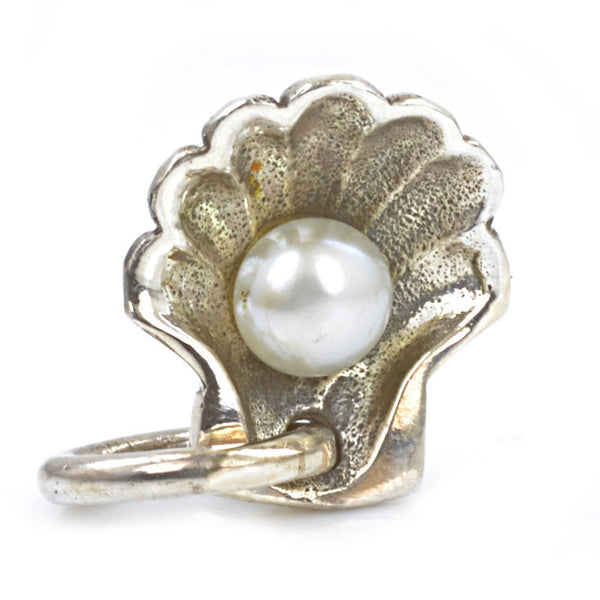 Redbalifrog White Pearl in Clam