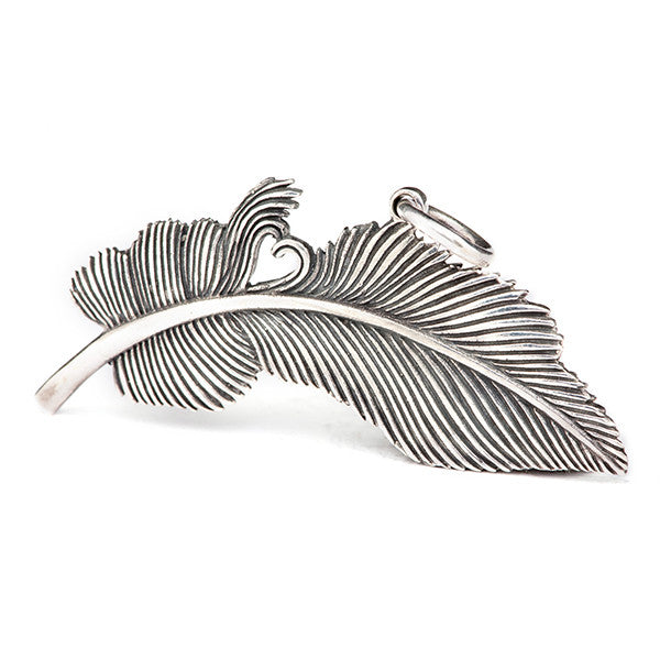 Redbalifrog Feather of Hearts Pendant