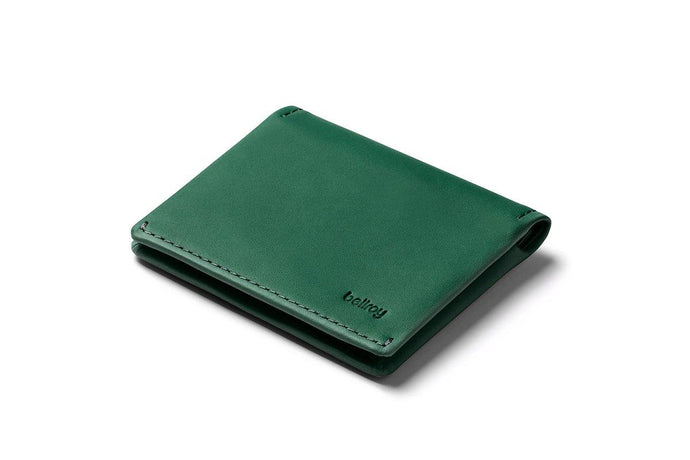 Bellroy Slim Sleeve-racing green - WATERKANT Store  |  Ottensen-Hamburg Ottensen Altona
