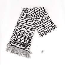 Laden Sie das Bild in den Galerie-Viewer, WK Scarf  AC02-black/white