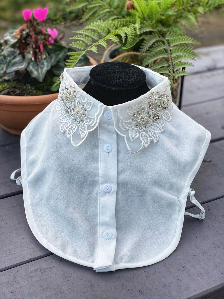 White Lace Detail Collar