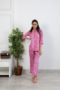 Gulabi phool loungewear set