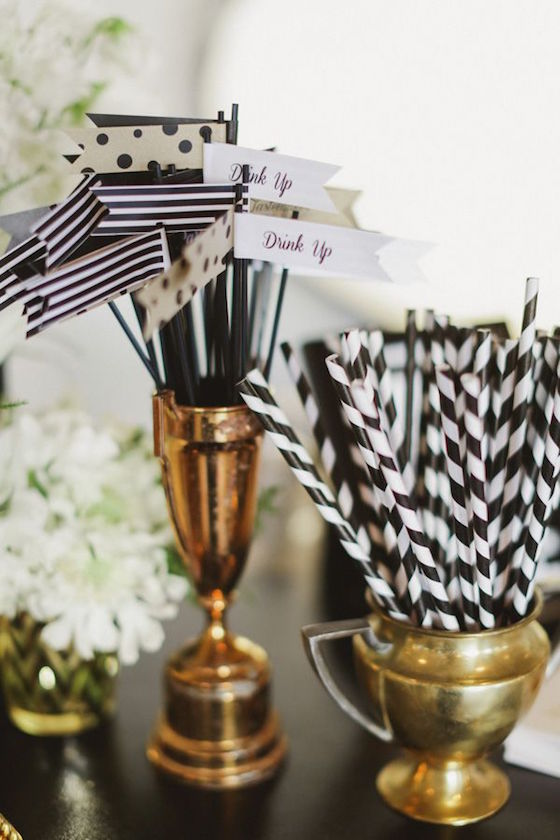 Wedding Table: Black and White
