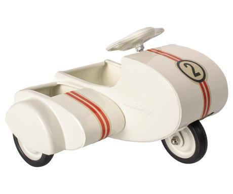 Maileg Metal Scooter w/sidecar, white