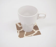 Load image into Gallery viewer, [Made in Japan]  DECOOR Interior Cloth Table Runner Animal Giraffe Brown