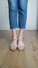 Video laden en afspelen in Gallery-weergave, Jute Beige Sandals