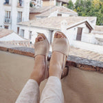 Afbeelding in Gallery-weergave laden, Off White Beige Sandals