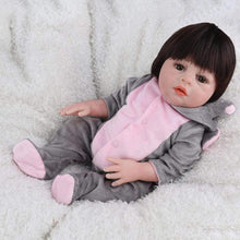 Load image into Gallery viewer, 16 inch Little Samantha Real Lifelike Baby Girl - happybarbies