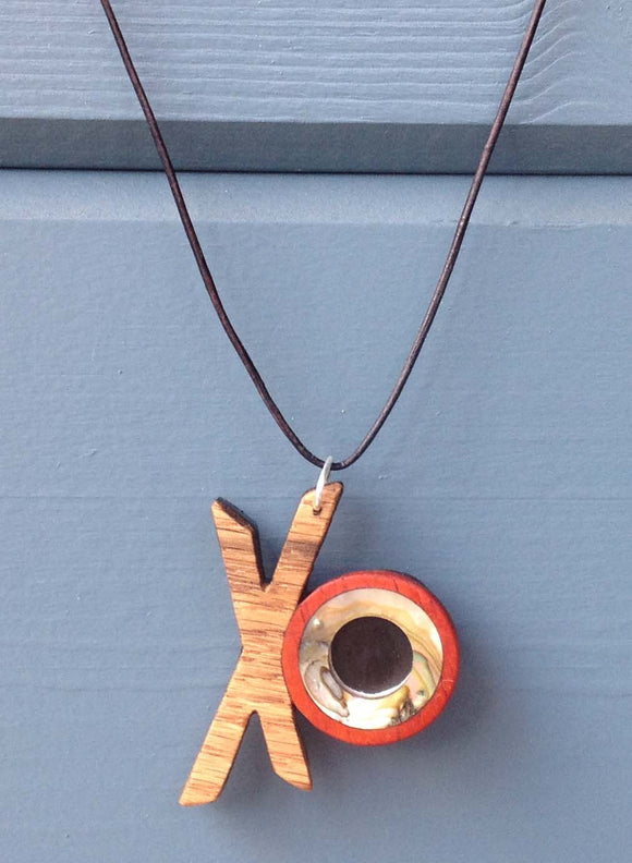 XO Necklace 2