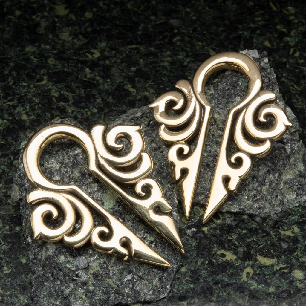 Scroll Pattern Keyhole Brass Ear Weights Hangers