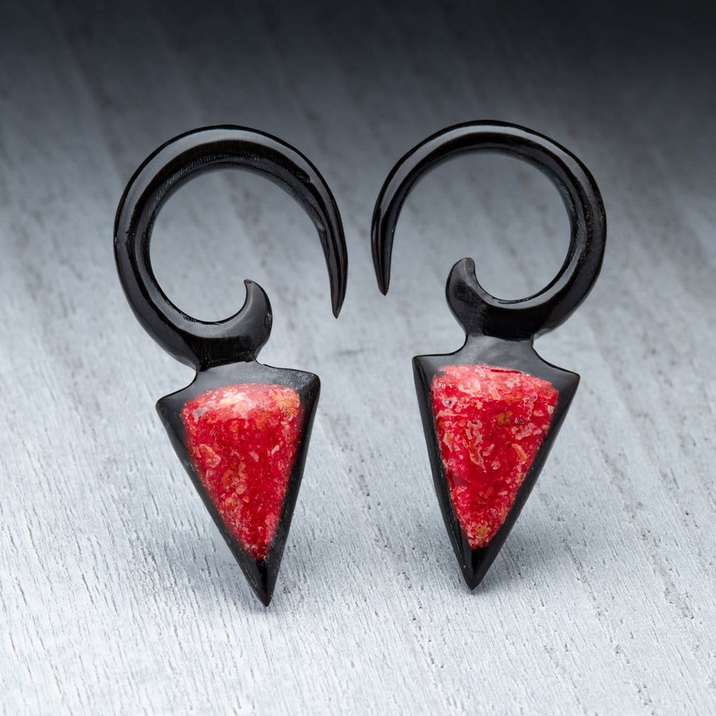 Horn Hanger with Red Coral Inlay