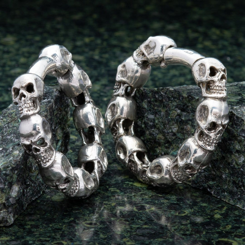 Ring of Skulls Hinged White Brass Hangers
