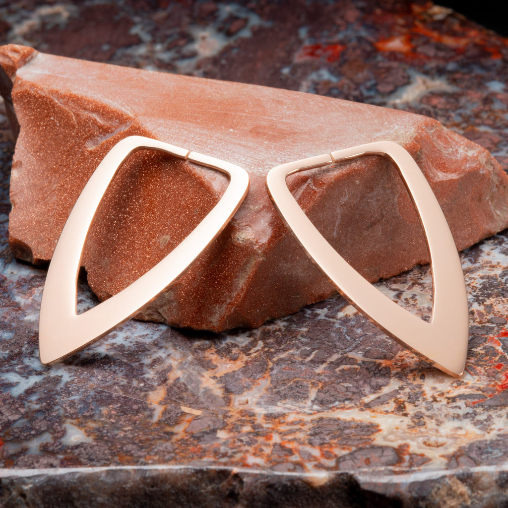Rose Gold Triangle Shaped Steel Hangers