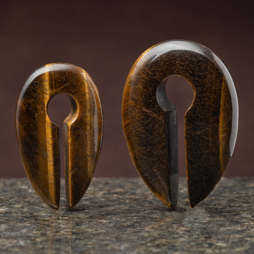 Tiger's Eye Keyhole Weight Hanger