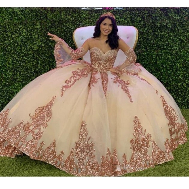 Sparkly Ball Gown Quinceanera Dresses with Dechable Sleeves Sweetheart Tulle Vintage Lace Applique Sweet 16 Dress Party Wear