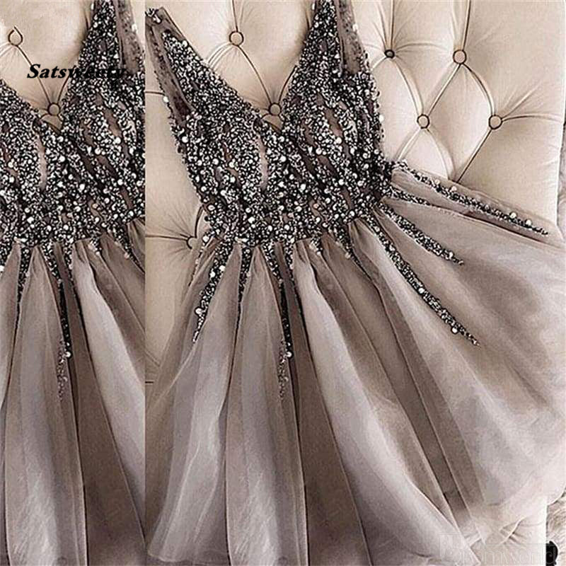 Sparkle Crystal Beaded Short Cocktail Dresses Gray Homecoming Dress Double V-neck Sexy Shiny Mini Prom Gowns Abiye Vestidos