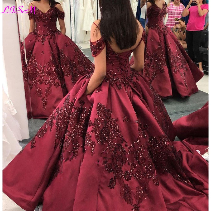 Princess Burgundy Ball Gown Quinceanera Dresses Off Shoulder Sequins Lace Appliqued Sweet 16 Girls Prom Gowns 2020