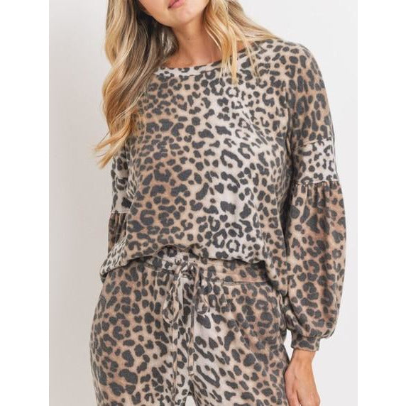 Long Balloon Sleeve Drop Shoulder Round Neck Brushed Knit Leopard Print Top