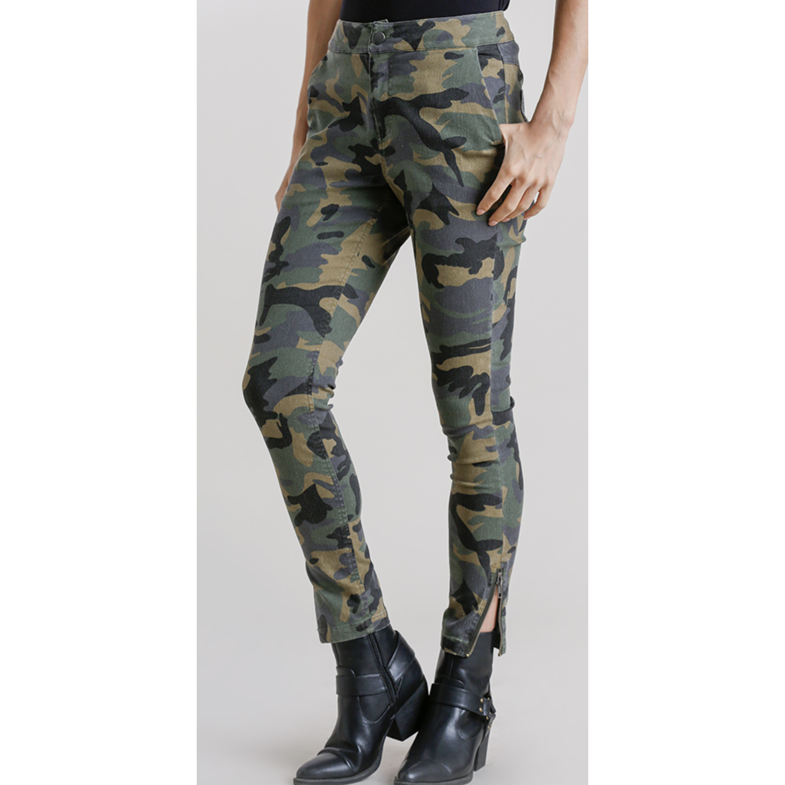 Ankle Zipper Detail Camo Print Pants W/ Side & Back Pockets