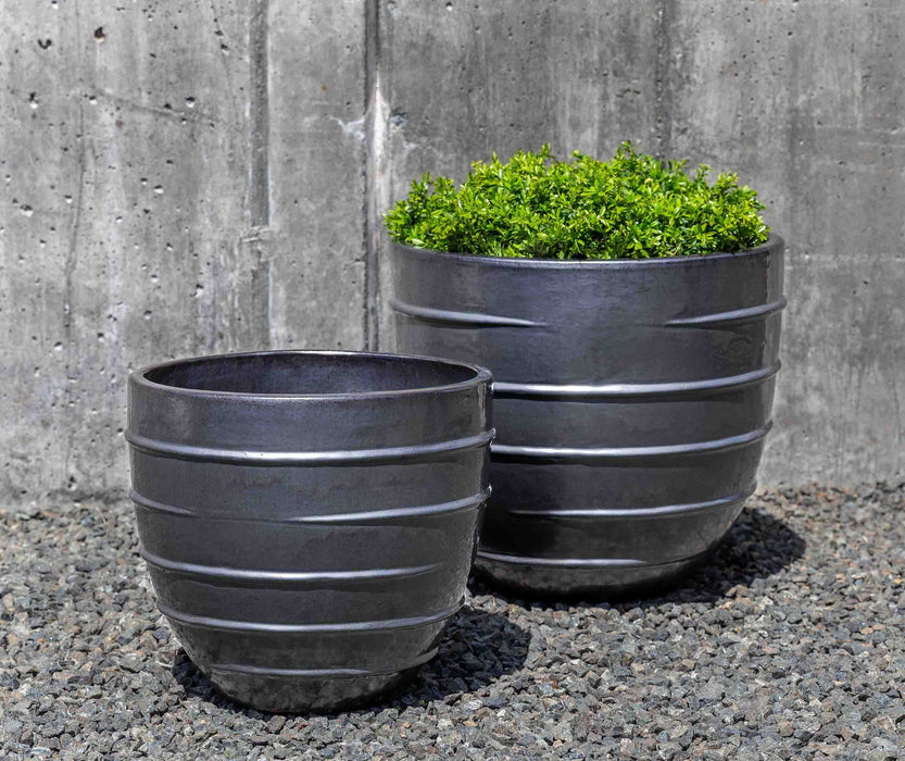 Logis Short Planter - Set of 2 in Metal Grey