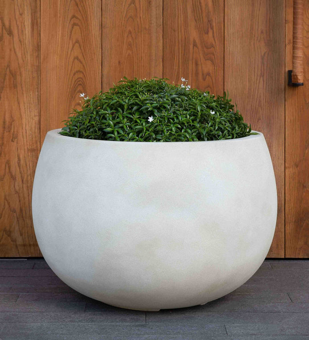 Medium Norfolk Planter in Ivory Lite