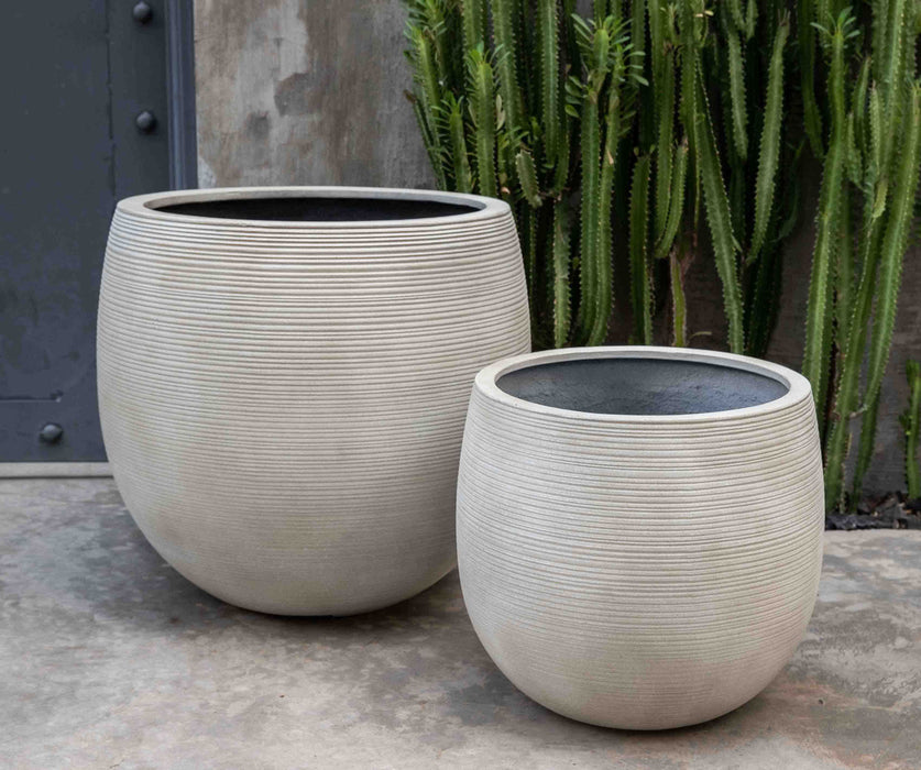 Large Marlton Planter in Ivory Lite