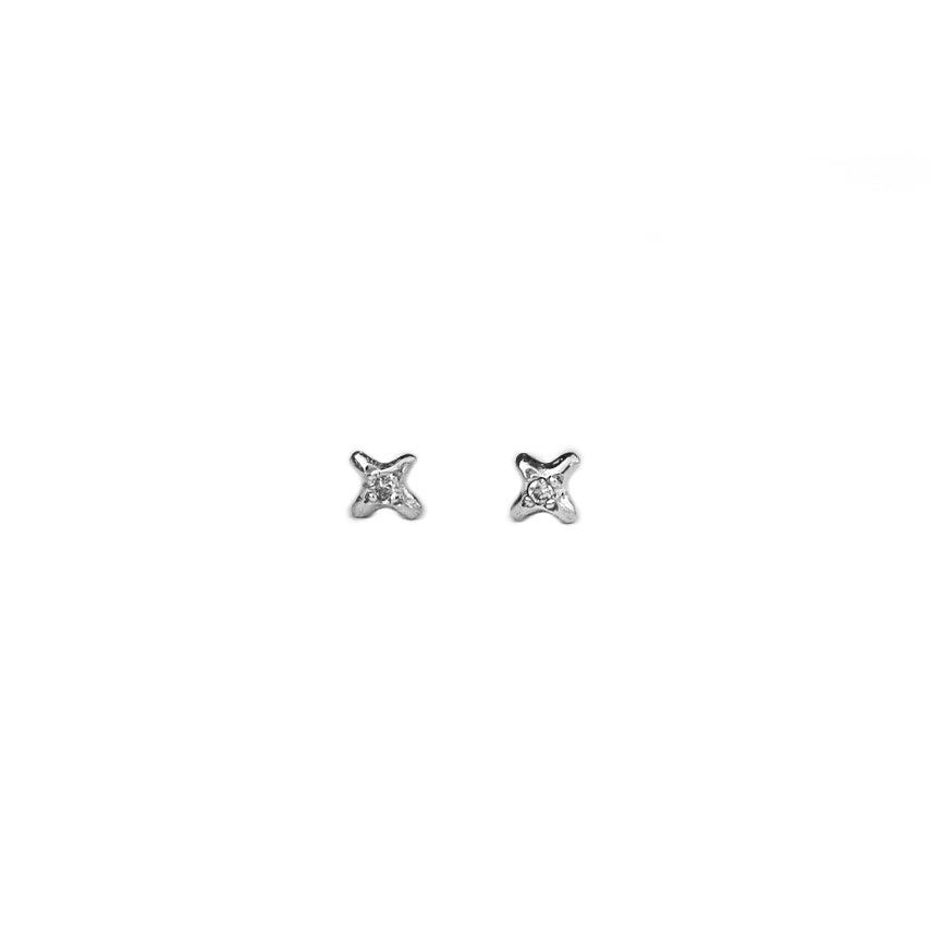 SHINING STAR Stud Earrings