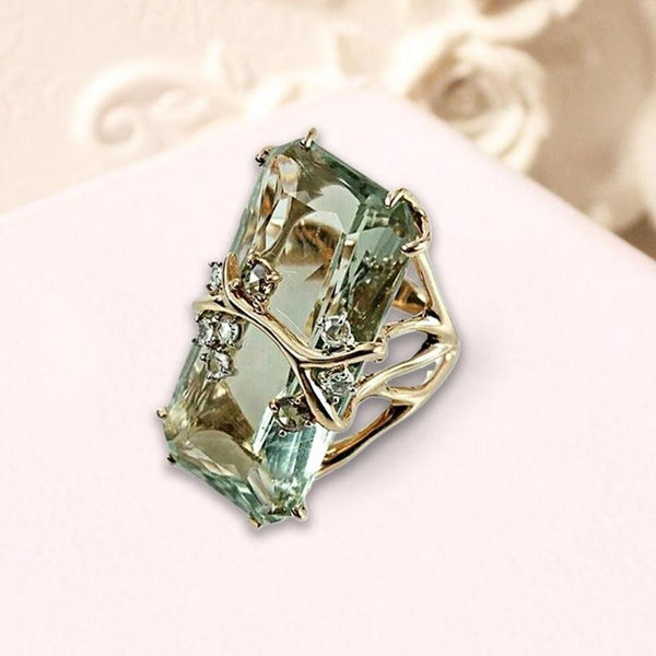 Retro Rectangular Green Crystal Zircon Ring Female Vintage Rhinestone Gold Color Engagement Ring Women's Fashion Jewelry